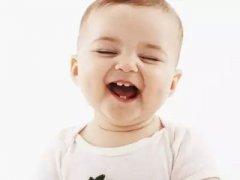 寶媽發現剛長牙的孩子牙縫寬,醫生竟說是好事