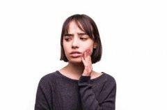 智齒冠周炎有什麽臨床表現?